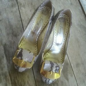 JUICY Couture Python pumps with gold buckle 8M